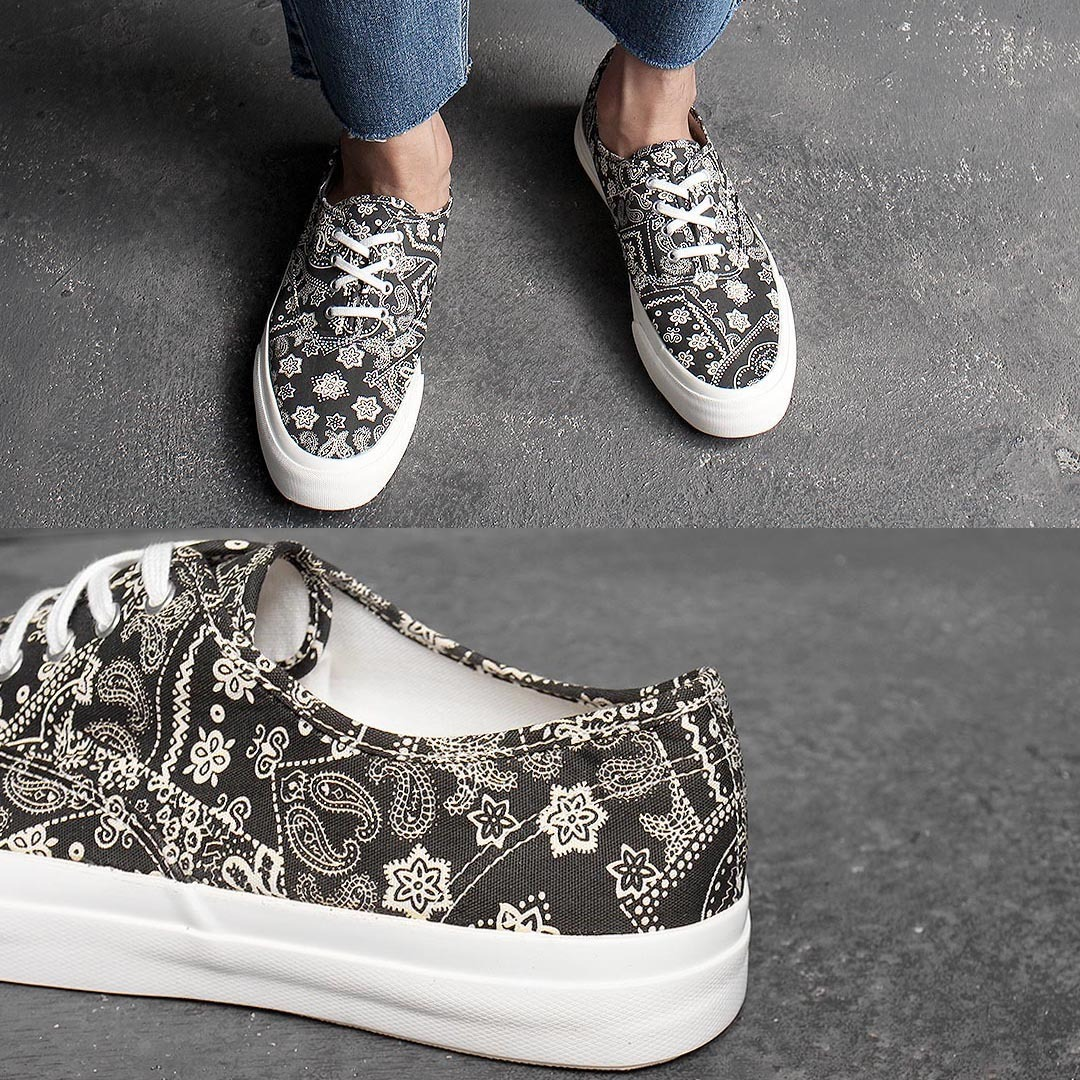 Paisely Canvas Lace Up Sneakers 1370